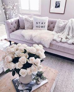 Loving this white cozy living room decor Ich liebe dieses weiße gemütliche Wohnzimmer Dekor Apartment Living