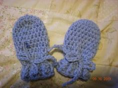 Free Crochet Baby Mitts Pattern. Dakota need a couple pair of these