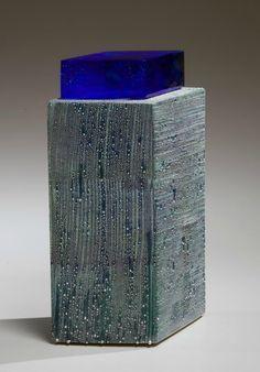 <i>Blue Green Mist</i> 2009 Glazed porcelain and glass 11 x 7 4 in. Modern Ceramics, Contemporary Ceramics, Ceramic Boxes, Ceramic Materials, Ceramic Design, Small Boxes, Abstract Sculpture, Design Art, Blue Green
