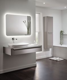 Opt for a minimalist scheme with the Geberit myDay Bathroom Collection in White Gloss. Gentle curved ceramics and sleek smart storage solutions will help to create a sense of peace and tranquility. Relaxing Bathroom, Bathroom Spa, Bathroom Colors, Modern Bathroom, Small Bathroom, Bathroom Ideas, English Interior, Bathroom Collections, Smart Storage