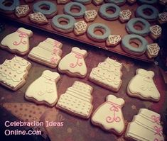bridalshower desserts love the engagement rings
