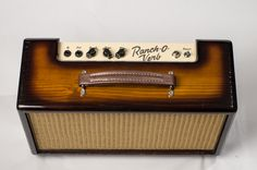 Tube driven spring reverb by Sonic Dude Ranch Guitar Musical Instrument, Music Instruments, Diy Guitar Amp, Guitar Cabinet, Valve Amplifier, Speaker Box Design, Portable Speakers, Guitar Pedals, Custom Guitars