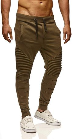 Jogger Pants Style, Mens Jogger Pants, Mens Designer Shirts, Designer Clothes For Men, Streetwear Jackets, Track Pants Mens, Look Cool, Fashion Pants, Men Casual