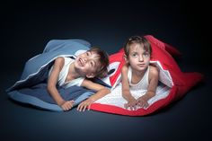 Baby Bites - Nuevos sacos rojo y pizarra para niños, con bolsa de regalo