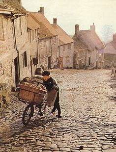 The wholesome Hovis advert was shot on Gold Hill in Shaftesbury, Dorset 1970s Childhood, My Childhood Memories, Leicester, Create Picture, Photos Voyages, Back In Time, British Isles, The Good Old Days, Great Britain