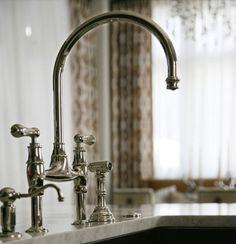 main sink fixture