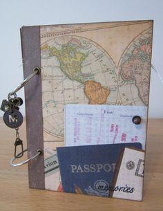 JOURNAL de voyage / livre de mémoire Combien de fois nous avons fait un voyage, recueilli peu déléments sur le chemin, cest à dire... pochettes dallumettes, agitateurs de boisson, brochures, talons de billets, cartes postales et autres objets peu ? Ce qui se passe habituellement à eux ? Nous trouvons les années plus tard, cachées dans une boîte quelque part, ou ils sont jetés. Prendre ce voyage unique scrapbook et le journal avec vous sur votre prochaine aventure. Cest génial ce voyage…
