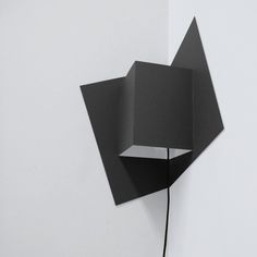 "Heloise Piraud et Antoine Becobgnee du studio Well Well Designers nous ont presentes leurs appliques ""Pop-Up"""