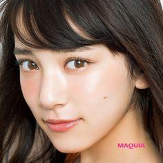 「MAQUIA」8月号では、人気ヘア&メイクアップアーティスト小田切ヒロさんによるメイクの裏技を紹介中。今回は、目幅を拡大できる簡単な裏技をピックアップ。不器用な人も、ワンランク上のテクニックを身につけたい人も必見です!教えてくれたのは・・・ヘ...
