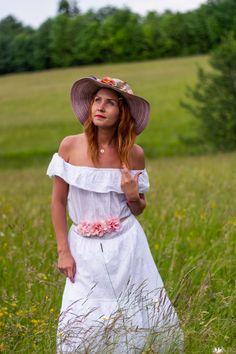White Dress, Dresses, Fashion, Woman, Fashion Styles, Vestidos, Moda, Dress, Fashion Illustrations