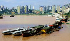 Gezhouba bei Yichang, ein Verkehrsknotenpunkt und der Endstation einer Yangtze Kreuzfahrt.