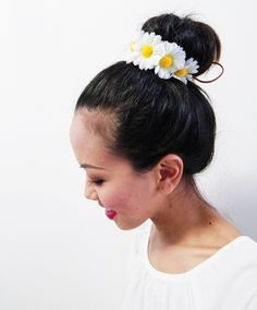 White Daisy Adjustable Bun Wrap, Hair Bun Crown, Hair Bun Wrap Holder, Flower Hair Bun, Floral Bun Wrap, Flower Hair Bun Accessories by HeavenlySea on Etsy https://www.etsy.com/listing/185266999/white-daisy-adjustable-bun-wrap-hair-bun