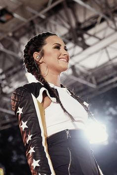 Demi Lovato performing at Good Morning America in New York - August 18th