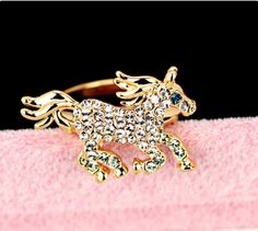 Exquisite Crystal Little Horse Alloy With Gold Plated Women's Ring