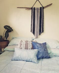 Driftwood dreams All Craft, Driftwood, Crafts To Make, Throw Pillows, Dreams, Sunset, Bed, Home, Cushions