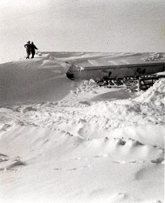 Michigan blizzard of '78: Enough snow to bury a house.