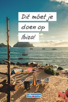 It's a must to do that in Ibiza! Travel Destinations, Travel Tips, Spanish Islands, Nature Beach, Cadiz, Spain Travel, Barcelona Spain, Dream Vacations, Cool Places To Visit