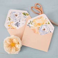 In this post, we're sharing 5 free floral envelope liners that are simply stunning! Print onto regular printer paper and trace ANY envelope to print! Perfect for your bridal shower or wedding! Diy Invitations, Floral Invitation, Birthday Invitations, Wedding Envelopes, Wedding Cards, Birthday Diy, Birthday Nails, Happy Birthday, Vintage Birthday