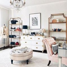 Home office decor: Fall in love with these home design ideas for your office design Design Room, Decor Interior Design, Interior Decorating, House Design, Simple Interior, Contemporary Interior, Sala Glam, Decoracion Vintage Chic, Glam Room