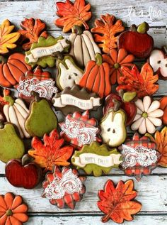 Lila Loa:  It's Fall!!!!  Pears, pumpkins, apples, leaves, and shabby chic plaques with plaid and lace.  I love this set!