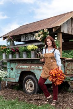 Photo By Whitney Gray Photography for the Cover of Countryside Magazine featuring Farm Stands Flower Truck, Flower Cart, Cut Flower Garden, Cut Garden, Garden Fun, Star Farm, Vegetable Stand, Farm Business, Flower Farmer