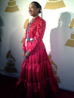 And the best dressed goes to...the beautiful GRAMMY Nominee, Radmilla Cody, representing her people, the Navajo Nation at the 2013 Grammys. No designer gown needed for this proud Diné woman wearing her Traditional Navajo gown.     Photo courtesy of  Radmilla Cody via FB.