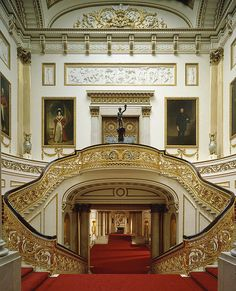 10 Most Surprising Travel Attractions Grand Staircase, Buckingham Palace, by Derry Moore.Grand Staircase, Buckingham Palace, by Derry Moore. Grande Cage D'escalier, Buckingham Palace London, Buckingham House, Palace Interior, Interior Stairs, The Royal Collection, Royal Residence, Le Palais, Grand Staircase