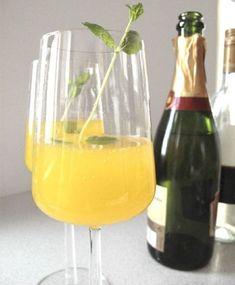 Mangokuohu Swedish Recipes, White Wine, Alcoholic Drinks, Food And Drink, Glass, Party, Drinkware, Corning Glass, White Wines