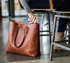 This is a fabulous and stylish brown leather tote bag.