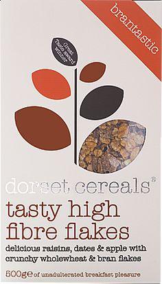 tasty high fibre flakes delicious raisins, dates & apple with crunchy wholewheat & bran flakes
