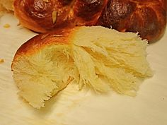tsoureki with tips too. Greek Sweets, Greek Desserts, Greek Recipes, Sweets Recipes, Easter Recipes, Cooking Recipes, Tsoureki Recipe, Greek Easter Bread, Greek Cake