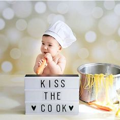 Starting this friday with PASTA and this cutiepie, great combo! #kissthecook #lightbox #cinematiclightbox #lichtbox #alittlelovelycompany by @kidslivingetc