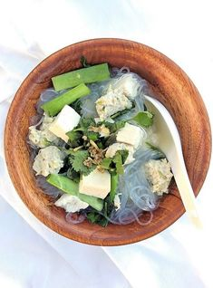 Gang Jued Woon Sen- thaicaliente.com A Mild flavor Thai Soup with Glass noodles, ground chicken and tofu. Perfect with a spicy dish!