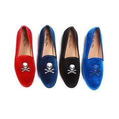 Slippers.com Loves The New @deltoroshoes Skull & Bones Velvet Slippers!  Repost from @deltoroshoes   #Slippers #DelToro #Velvet