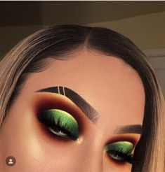 green eyeshadow looks - green eyeshadow ; green eyeshadow looks ; green eyeshadow for brown eyes ; green eyeshadow looks for brown eyes ; green eyeshadow looks step by step ; Makeup Eye Looks, Dramatic Eye Makeup, Colorful Eye Makeup, Beautiful Eye Makeup, Eye Makeup Tips, Eyeshadow Looks, Eyeshadow Makeup, Makeup Products, Eyeshadows
