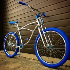 Old Fashioned Bicycle, Retro Bicycle, Vintage Bicycles, Montain Bike, Bicycle Tattoo, Bmx Street, Lowrider Bicycle, Bicycles For Sale, Cruiser Bicycle