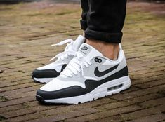 Where to find the Nike Air Max 1 Ultra Essential OG Black Mesh 99 & # ? - LT Turner - - Where to find the Nike Air Max 1 Ultra Essential OG Black Mesh 99 & # ? New Sneakers, Air Max Sneakers, Sneakers Fashion, Sneakers Nike, Black Sneakers, Tenis Air Max 90, Souliers Nike, Moda Nike, Zapatillas Nike Air
