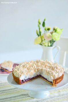 Meringue Pie mit Johannisbeer Blaubeer Limetten Curd | Das Knusperstübchen