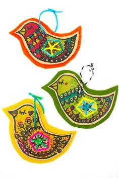Cardboard and felt bird ornaments- great Christmas kids craft