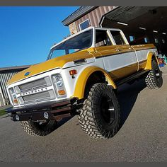 Rtech Fabrications is a custom fabrication shop specializing in Chevy Trucks - Show Trucks, Gm Trucks, Lifted Trucks, Pickup Trucks, Diesel Trucks, Dually Trucks, 67 72 Chevy Truck, Custom Chevy Trucks, Chevrolet Trucks