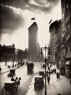 vintage everyday: Street scene in New York, 1918