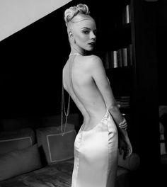 Anya Joy, Anya Taylor Joy, Instagram Models, Beautiful Actresses, Dior, Backless, Celebs, Couture, Dresses