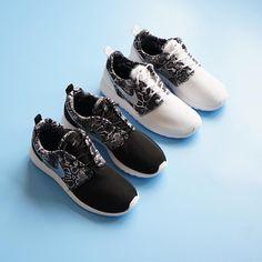 Yepyeni desenleri ile Nike Roshe One Boyner Mağazaları ve boyner.com.tr'de! Hemen incelemek ve satın almak için profil linkini tıklayın! #boyner #boyneronline #nike #rosheone