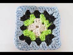 Granny square: le tuto facile Crochet Simple, Crochet Diy, Crochet Granny, Granny Square, Vader Star Wars, Creations, Make It Yourself, Vintage, Easy Crochet Shawl