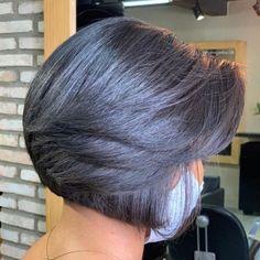Short Haircuts With Bangs, Bob Haircut With Bangs, Short Hairstyles For Thick Hair, Medium Bob Hairstyles, Haircut For Thick Hair, Short Hair With Layers, Short Hair Cuts, Short Hair Styles, Thick Hair Bobs