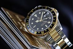 menswear watches.... my daddy has this kind of watch :)