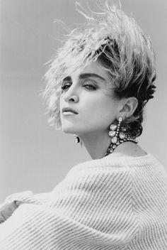 Madonna photographed by Steven Meisel in 1983 for Mademoiselle magazine Steven Meisel, Mario Testino, Linda Evangelista, Vogue Magazin, Madona, 1980s Hair, Foto Portrait, Annie Leibovitz, Actrices Hollywood
