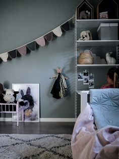 Welcome to this magnificent Swedish kids room - Paul & Paula - Lotta Crate And Barrel, White Kids Room, String Shelf, Scandinavian Kids Rooms, Kids Bedroom Organization, Childrens Room Decor, Room Themes, Nursery Themes, Nursery Decor