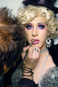 Dolce & Gabbana eyeshadow duo in Blossom http://www.dolcegabbanamakeup.com/en/eyes/eye-shadow-color-duo/