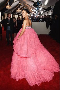 Rihanna is a dream come true in Giambattista Valli. One of the last looks on the carpet, she was truly worth the wait.